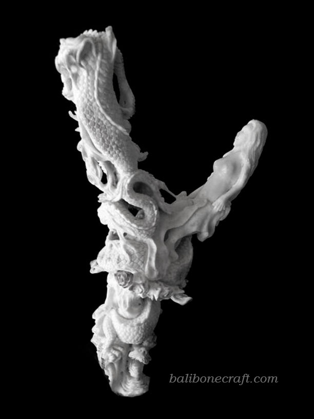 Sculpture-Dragon-Lady