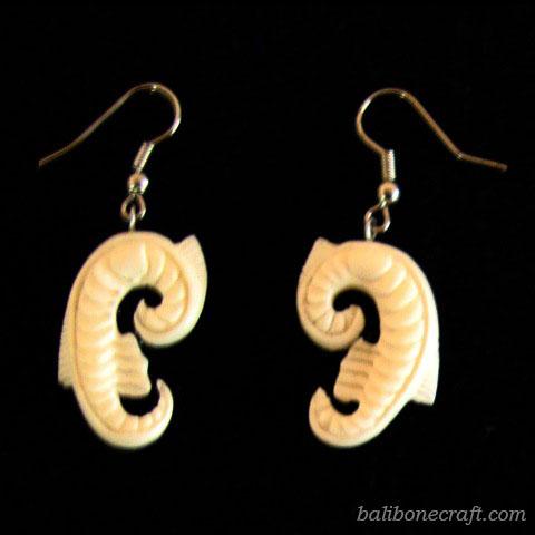 bone-earring01