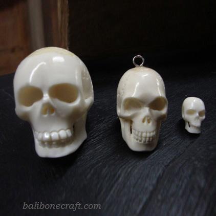 skull pendant bone