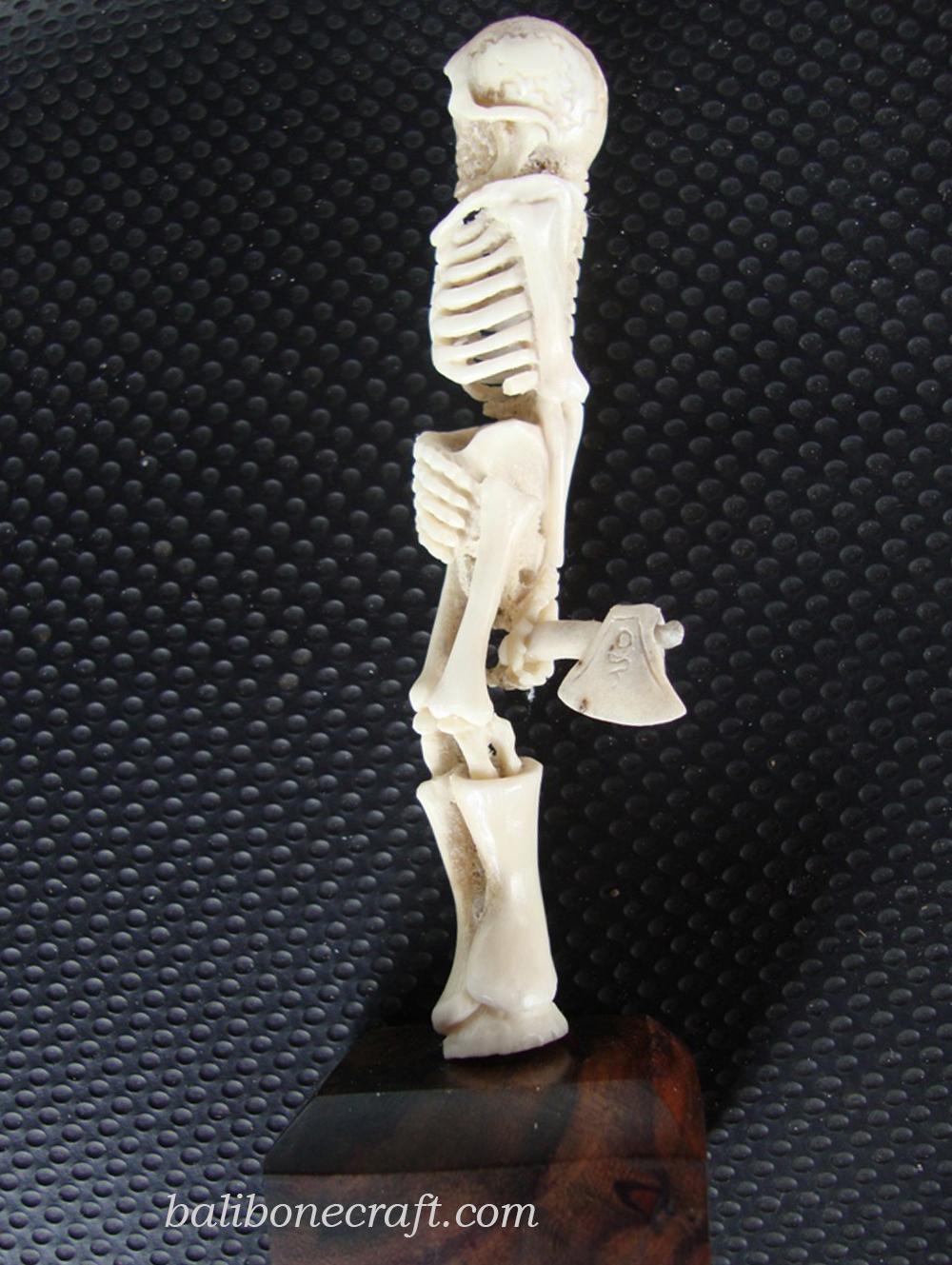 skull with ax